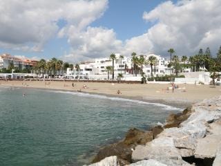806 - 2 bed apartment, Playas del Duque, Puerto Banus
