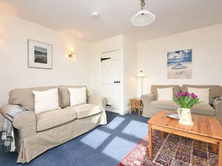 Shearling Cottage, 5 miles from Bamburgh, sleeps 4
