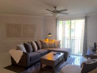 Stunning 2Br 2 BA CityPlace Condo, West Palm Beach