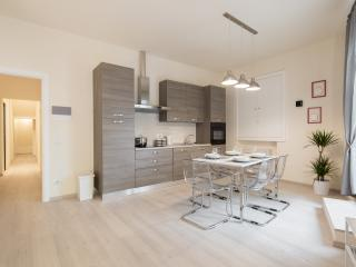 NEW with 3 bedrooms 3 bathrooms & A/C, Firenze