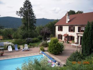 CoeurdesVosges ferme piscine privée chauffée7000m2