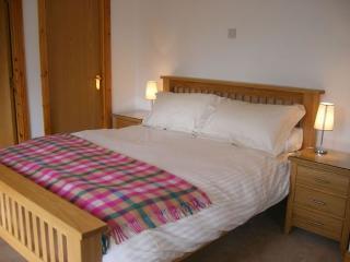 Exceptional Lodge with Loch Views - 383763, Drumnadrochit