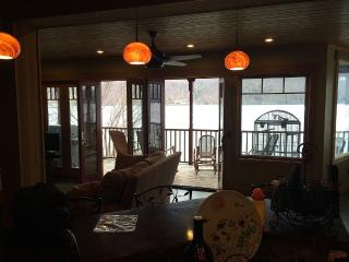 Gorgeous home on Skaneateles lake