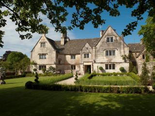 Court House Manor, Painswick