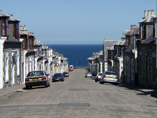 Cosy Neuk is just a short stroll to the sea in the old village area