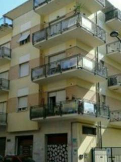 appartamento ristrutturato fino a 12 posti letto, Pescara