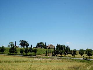 9 bedroom villa with private pool near Todi, Montecastrilli