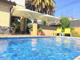 Maresme - Villa con piscina privada, para 8., Roses