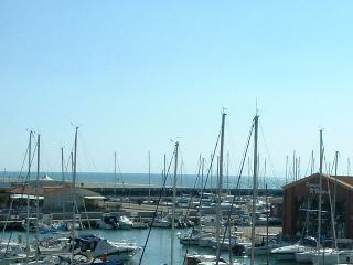 appartamento panoramico sul mare e porto