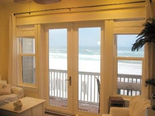 Yes, it's DIRECTLY on the GULF! Gorgeous Gulf Front Views! Close to Seaside!