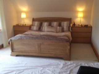 Master bedroom, super king size bed