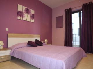 Modern & spacious apartment close to beaches, Mgarr