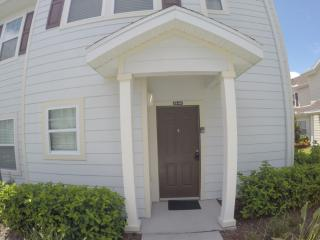 Modern 4 Bedroom home close to Disney!