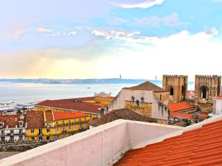 Brya Blue Apartment, Alfama, Lisbon