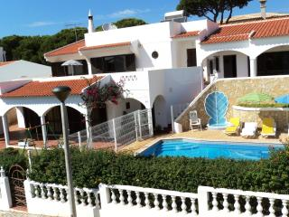 Villa 4 bedroom with pool 10 people, Quarteira