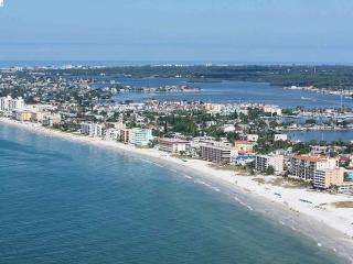 BEACH FRONT CONDO *** MADEIRA BEACH