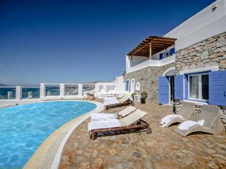 Mykonos Art Villa. 5 Bedroom Private Pool Villa, Ornos