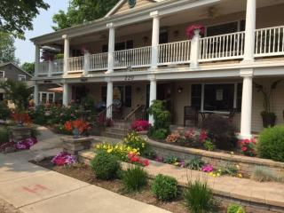 Ole Bistro Inn - Vacation Rental - Lake Geneva WI, Lago Genebra
