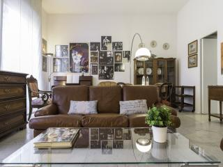 Amendola Vintage Apartment
