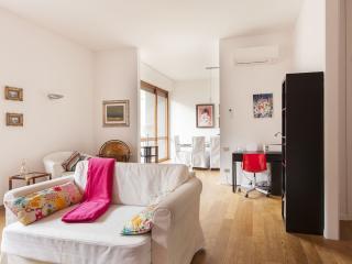MIMLNF078 Family Milano Apartment, Milão