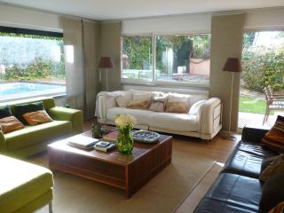 Superb home: swimming pool, sea views, location, Estoril