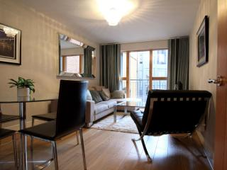 London House 2B apartment in Islington with WiFi & lift.