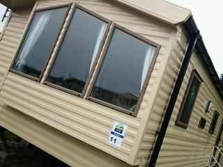 Deluxe 2 Bedroom Static Caravan, Flookburgh