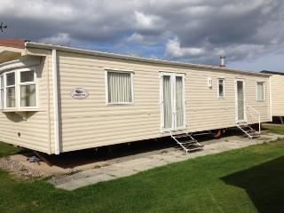 Lido Beach Holiday Park minimum booking for 3 days, Prestatyn