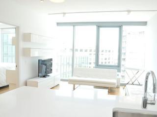 Luxury Three Bedroom Residence in Midtown, Nueva York