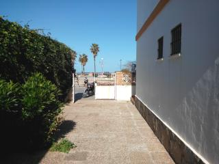Apartment in beachfront near the lighthouse, Chipiona