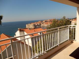 Elena2 with parking -beautiful Sea & Old Town view