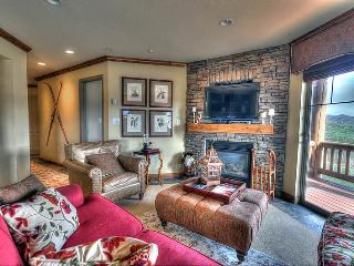 Top Floor/Corner w/ VIEWS of Jordanelle! (FBH203), Park City
