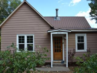 Casa Durango - 3 Bedroom/1 Bath Pet Friendly Home
