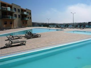 Reef Beach Apartment, Ericeira, 2 bedrooms & pool