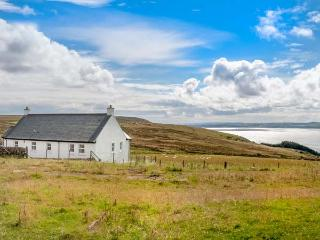 LITTLE LAIGHT detached, en-suite, stunning loch views, walks and cycle rides