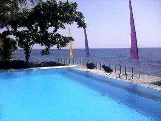 Absolute Beach Front Tranquillity with Tropical Marine Snorkeling