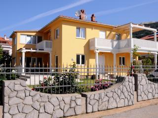 TH02442 Apartments Bojan / Double Room S1, Baska