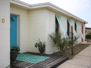 Need a FALL Getaway/BOOK NOW/DeLuna House on Pensacola Beach/Not Fancy Just FUN!