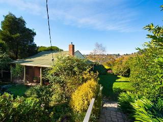 Tara Cottage - pet friendly, Daylesford
