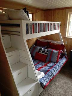 Downstairs bedroom with bunk beds