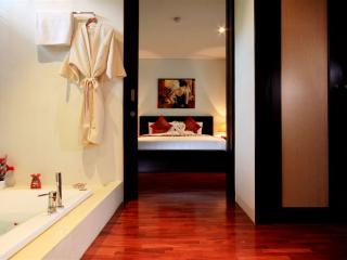 Kata gardens luxury apartment few mins walking to Kata beaches