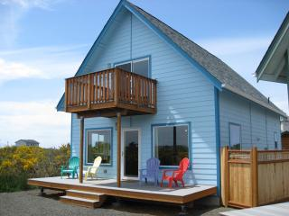 The Little Blue Beach House, Ocean Shores