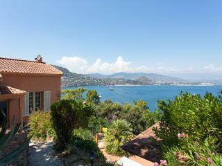 10 minutes walk from the beach, Théoule-sur-Mer