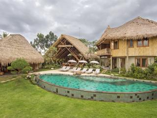 Luxury 5 Bedroom Villa , Rice Fields View, Ubud