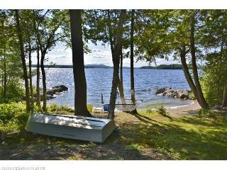 Private beachfront oasis on Green Lake near Acadia