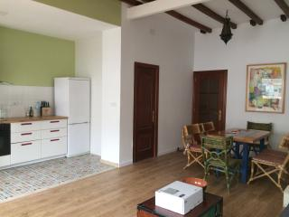 New-Quiet,Calm and Bright Flat in Ruzafa .Wi-Fi, Valencia