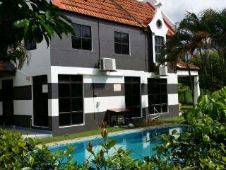 D Faro A Famosa Villa 4 Bedroom with swimming pool
