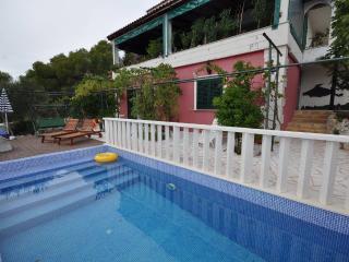 Villa Duda - Poolside Studio Apartment, Marina