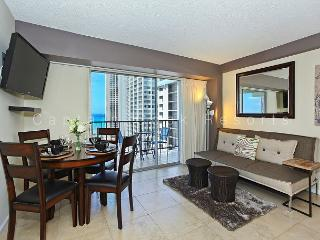 Ocean View Lanai and a Easy 5 min. walk to beach!  Sleeps 4., Honolulu