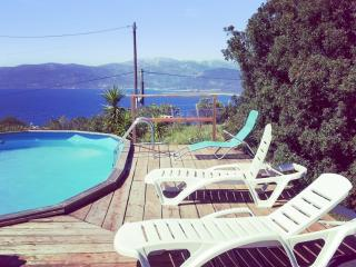 Gorgeous villa with amazing views, Calcatoggio